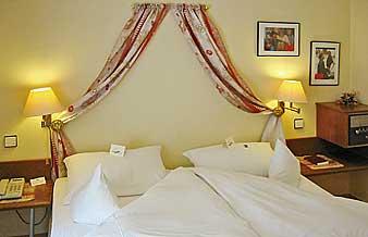 hotel rheinhessen oppenheim rhein mainz wiesbaden darmstadt frankfurt r desheim worms. Black Bedroom Furniture Sets. Home Design Ideas